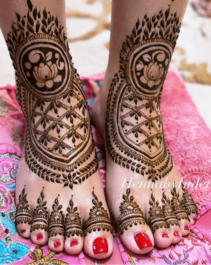 Mesmeric Massachusetts Henna Design