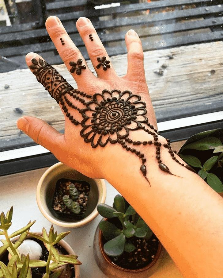 Radiant Massachusetts Henna Design