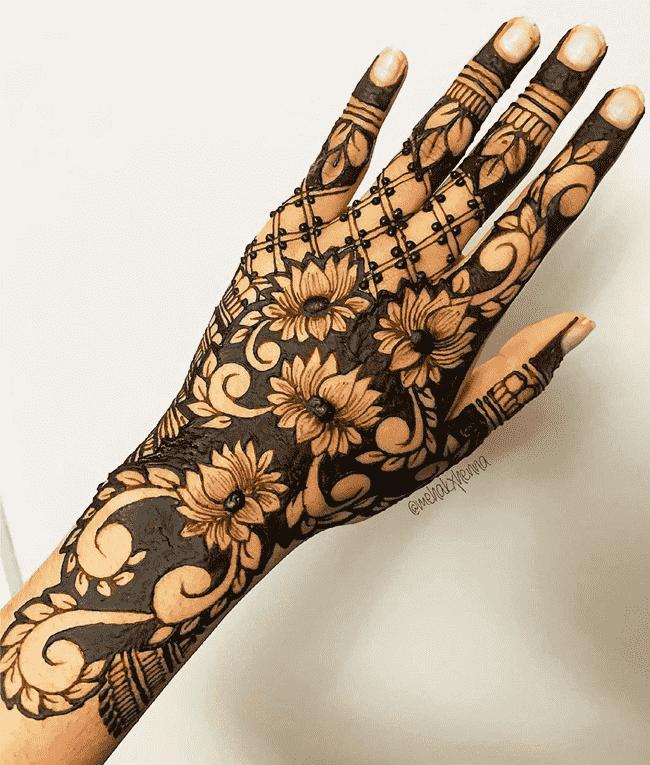 Beauteous Muktagacha Henna Design