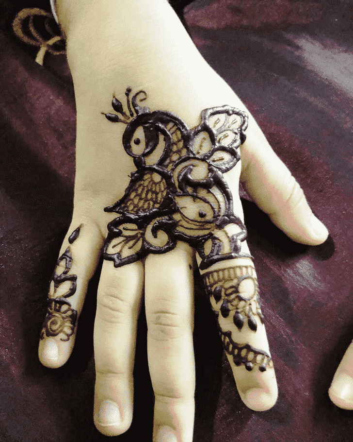 Beauteous Munich Henna Design