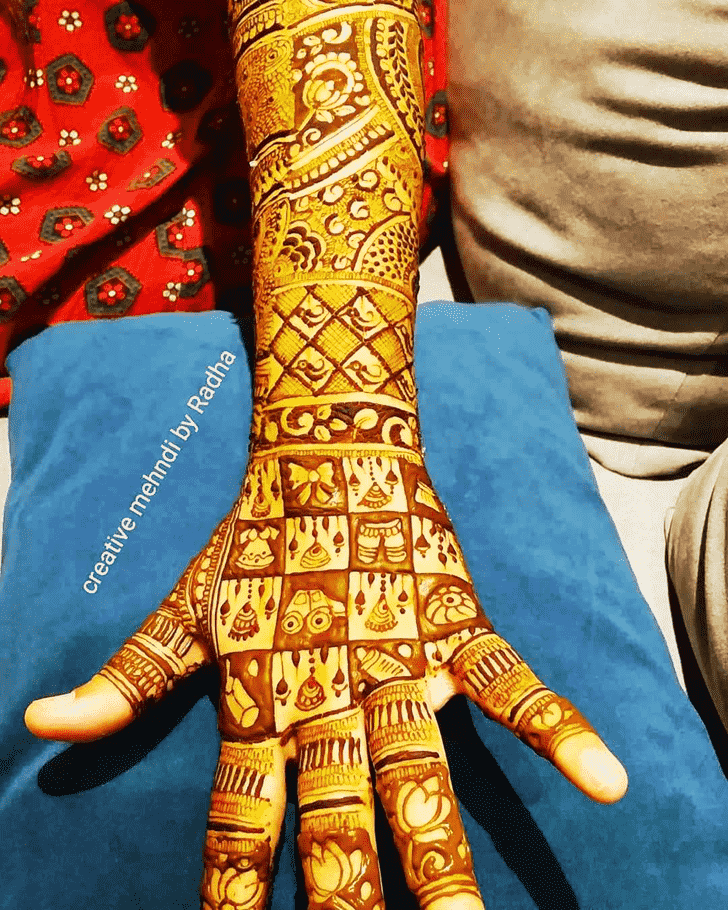 Charming Munich Henna Design