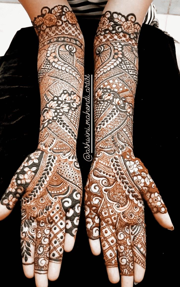 Charming Munnar Henna Design