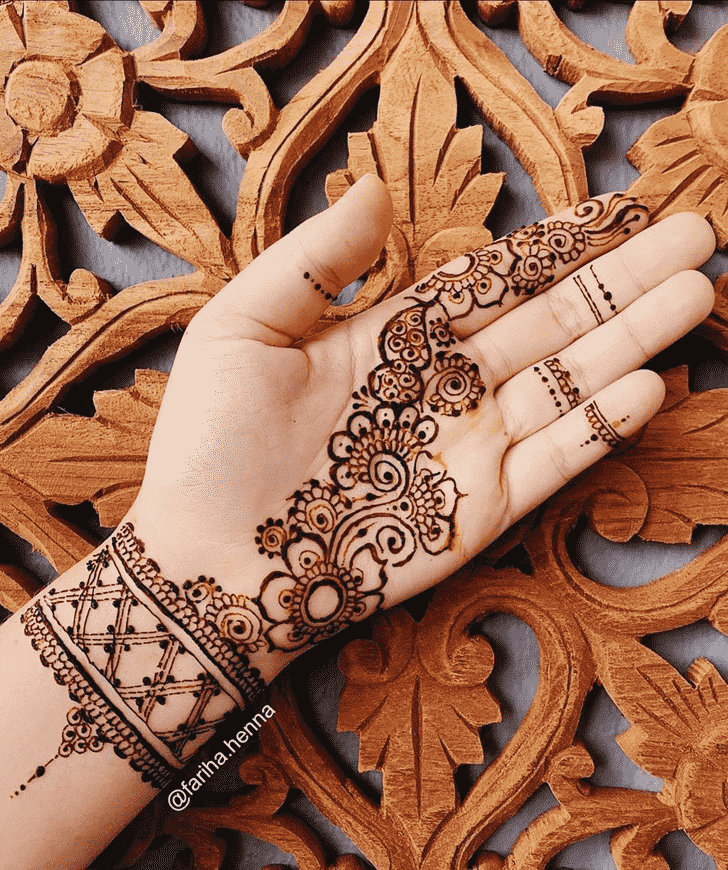 Comely Mussoorie Henna Design