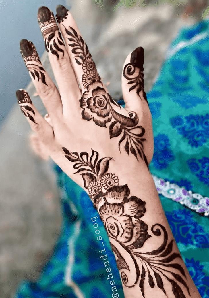 Beauteous Nagpur Henna Design