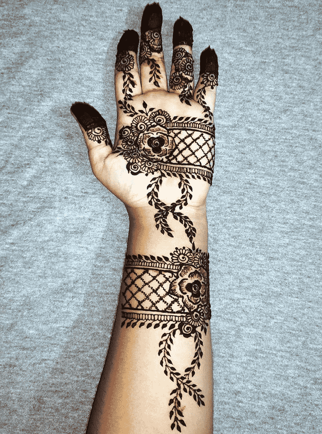Beauteous Nainital Henna Design