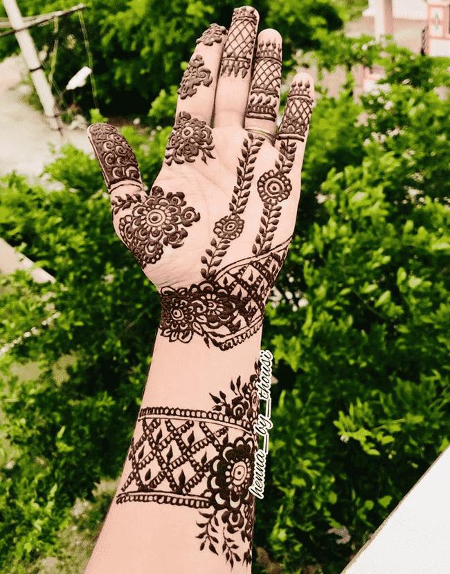Comely Nainital Henna Design
