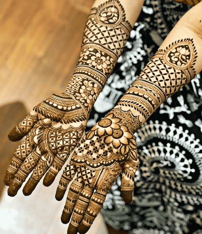 Grand Nainital Henna Design