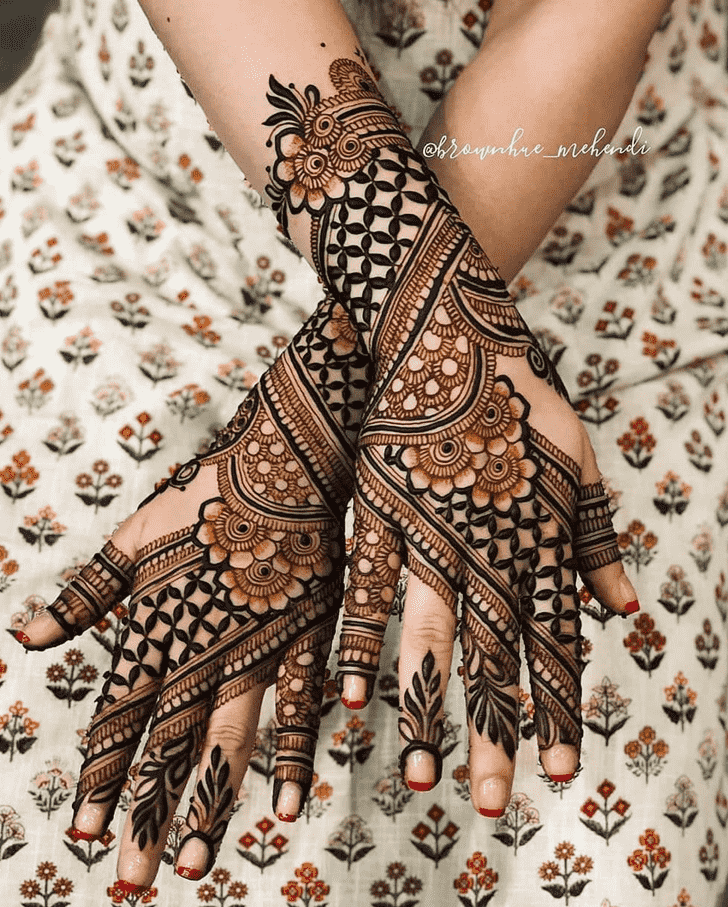 Comely Nasik Henna Design