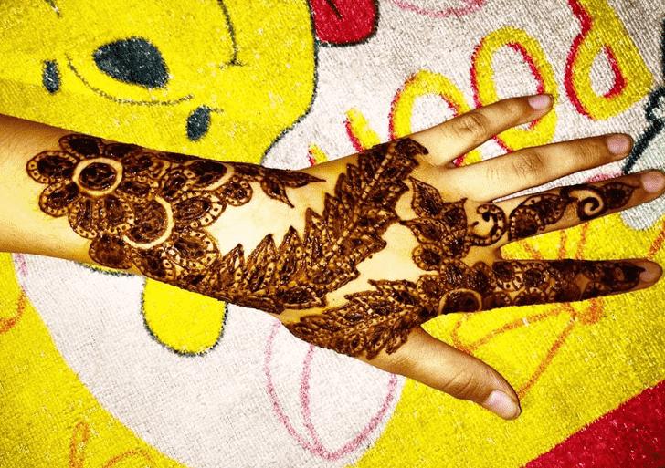 Enticing Nasik Henna Design