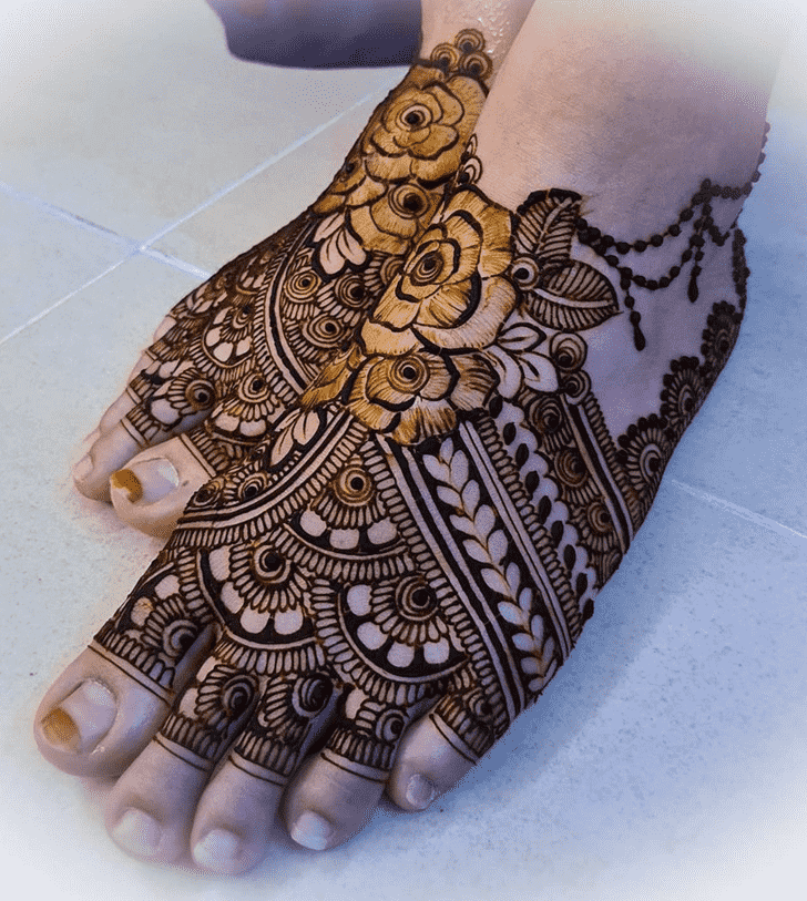 Exquisite Nasik Henna Design