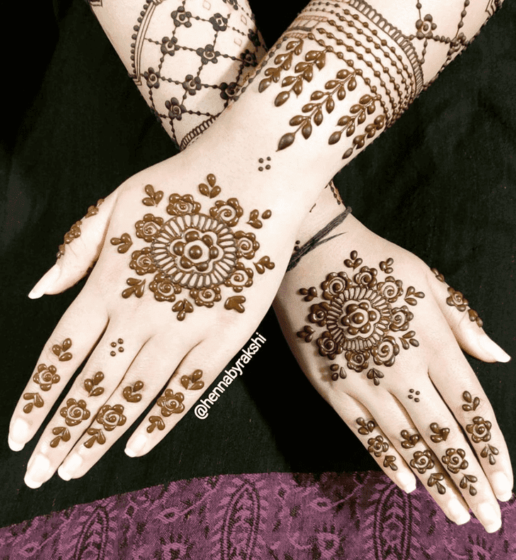 Appealing Navratri Henna Design