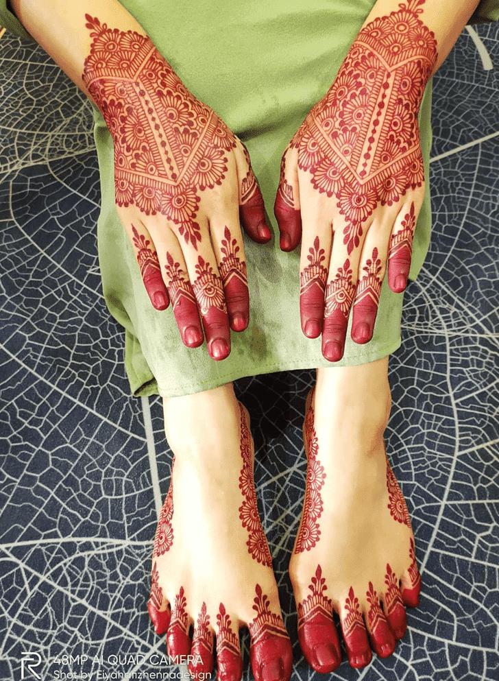 Beauteous Navratri Henna Design