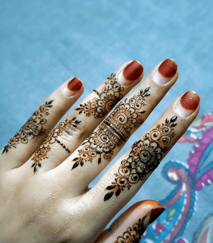 Charming Navratri Henna Design