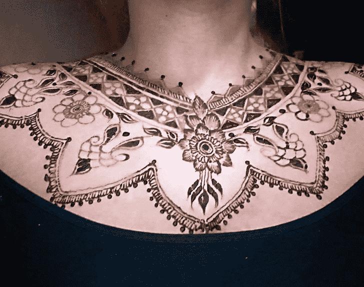Adorable Necklace Henna Design