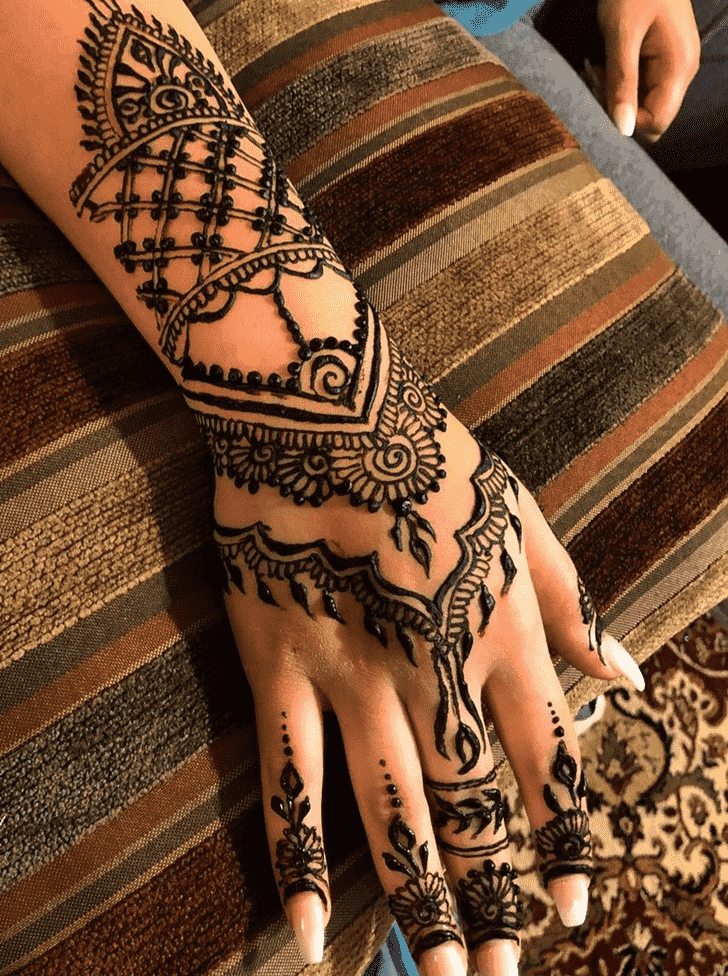Appealing New Year Henna Design