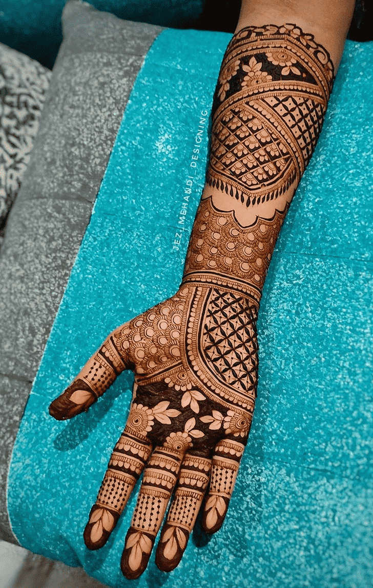 Beauteous New Year Henna Design
