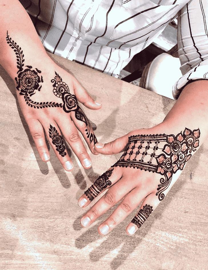 Comely Noida Henna Design