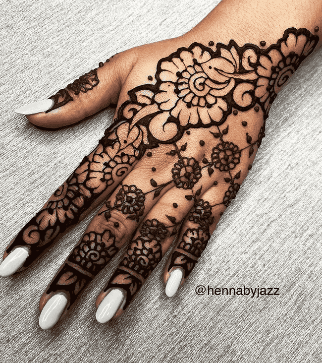 Classy Ooty Henna Design