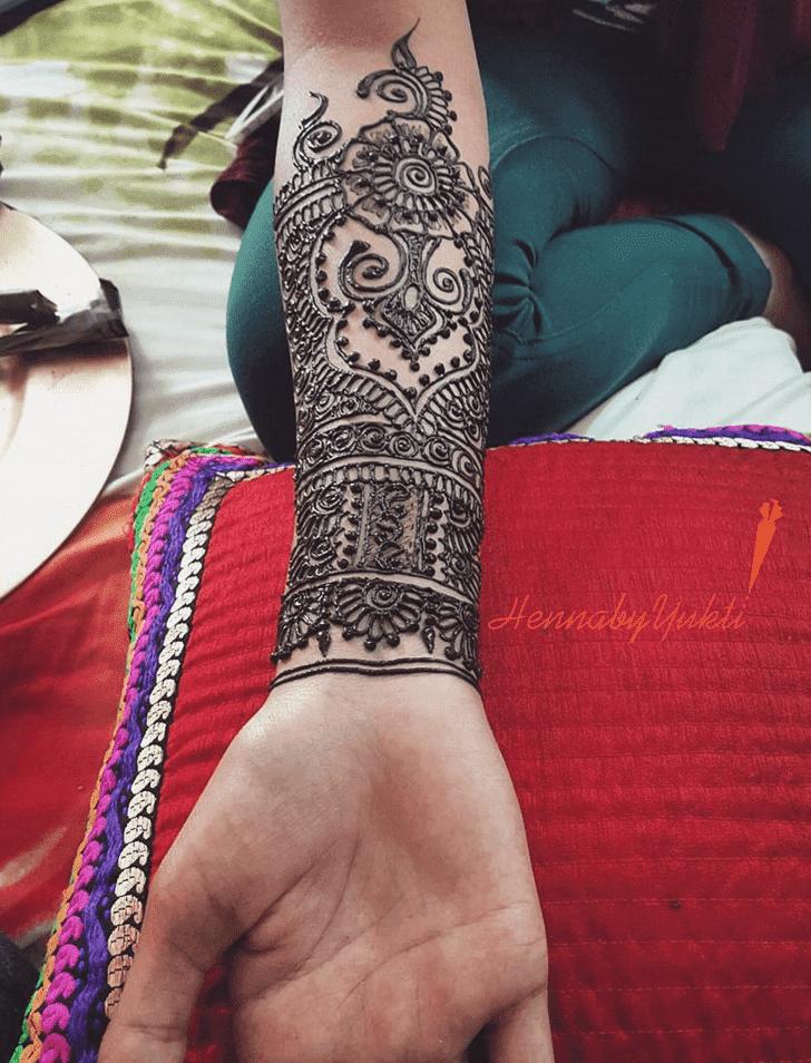 Angelic Pakistani Henna Design