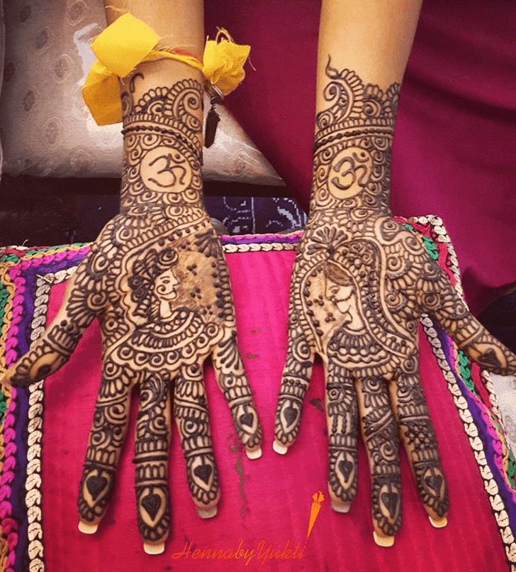 Appealing Pakistani Henna Design