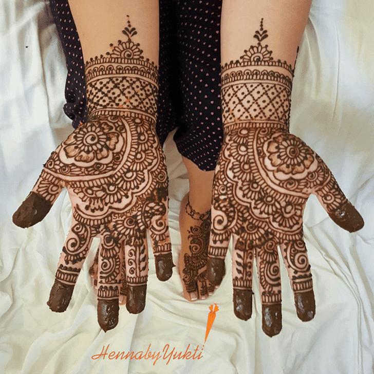 Captivating Pakistani Henna Design