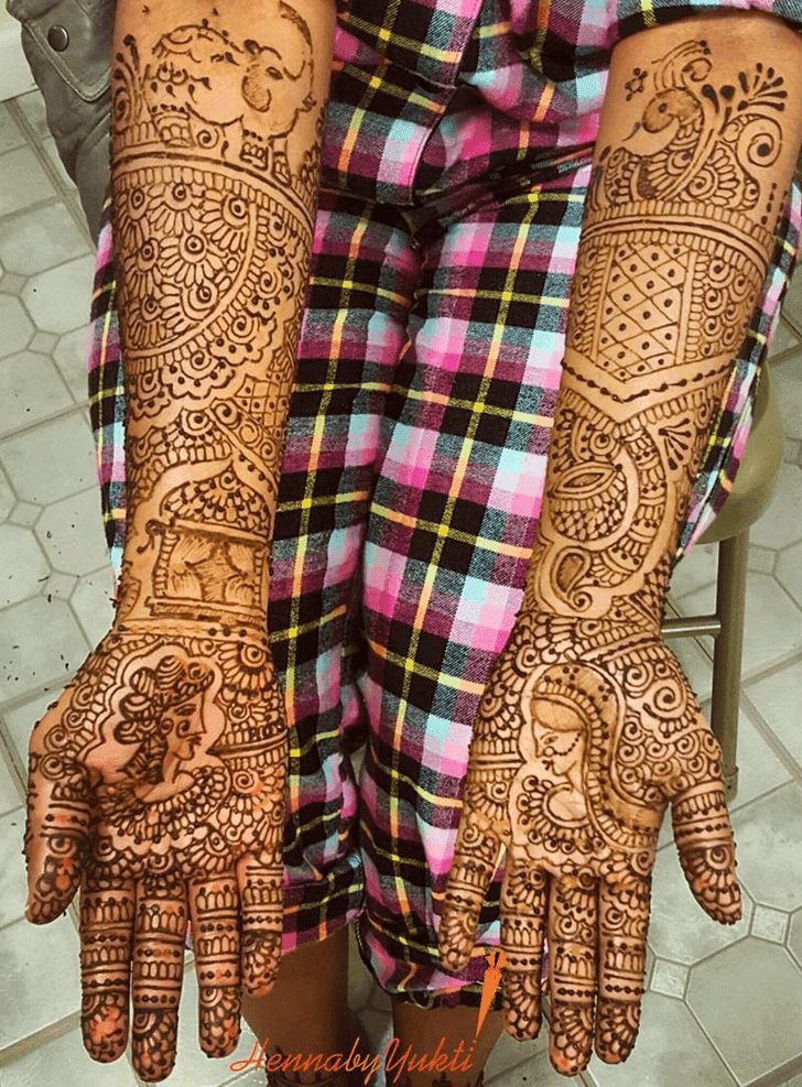 Classy Pakistani Henna Design