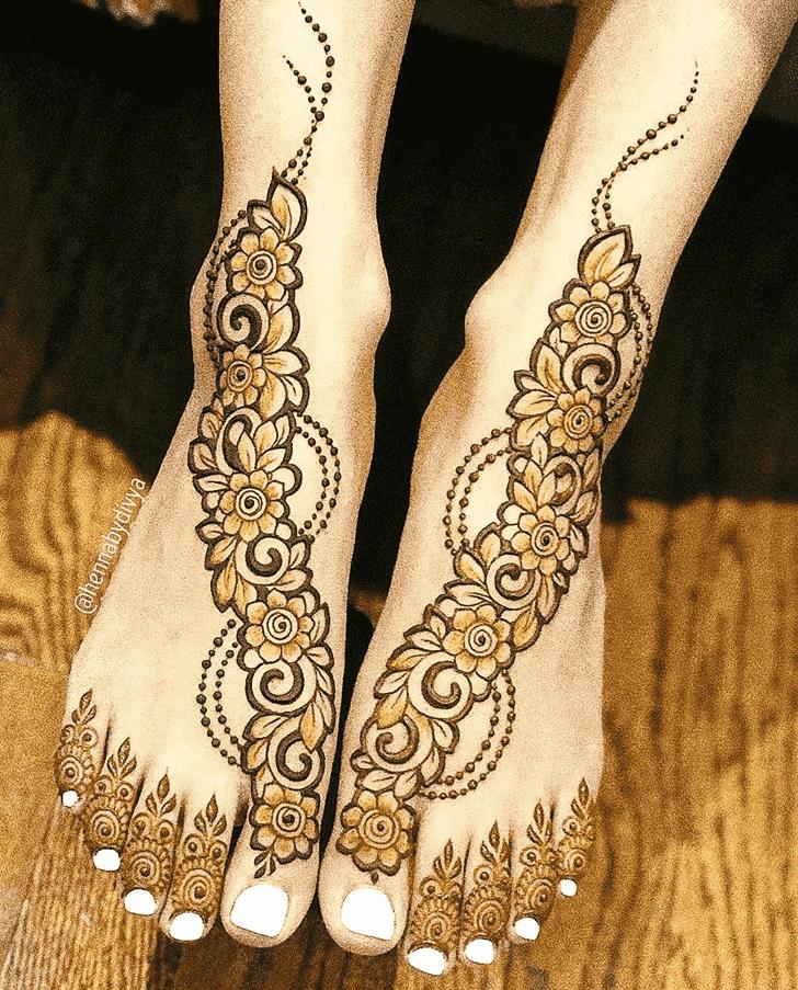 Appealing Pattern Henna Design