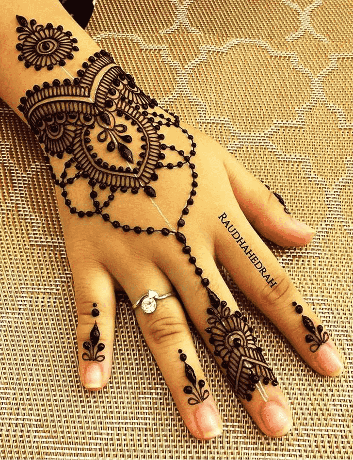 Classy Pattern Henna Design
