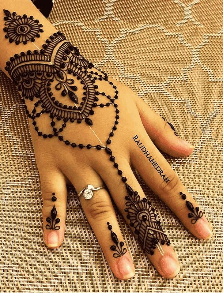 Arm Pattern Henna Design