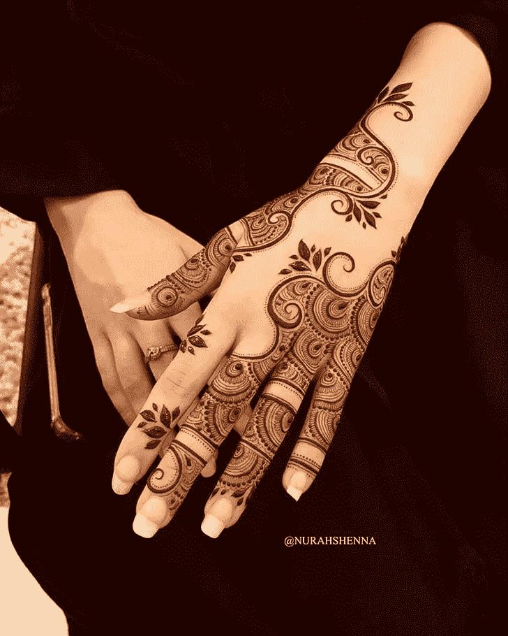 Enthralling Pattern Henna Design