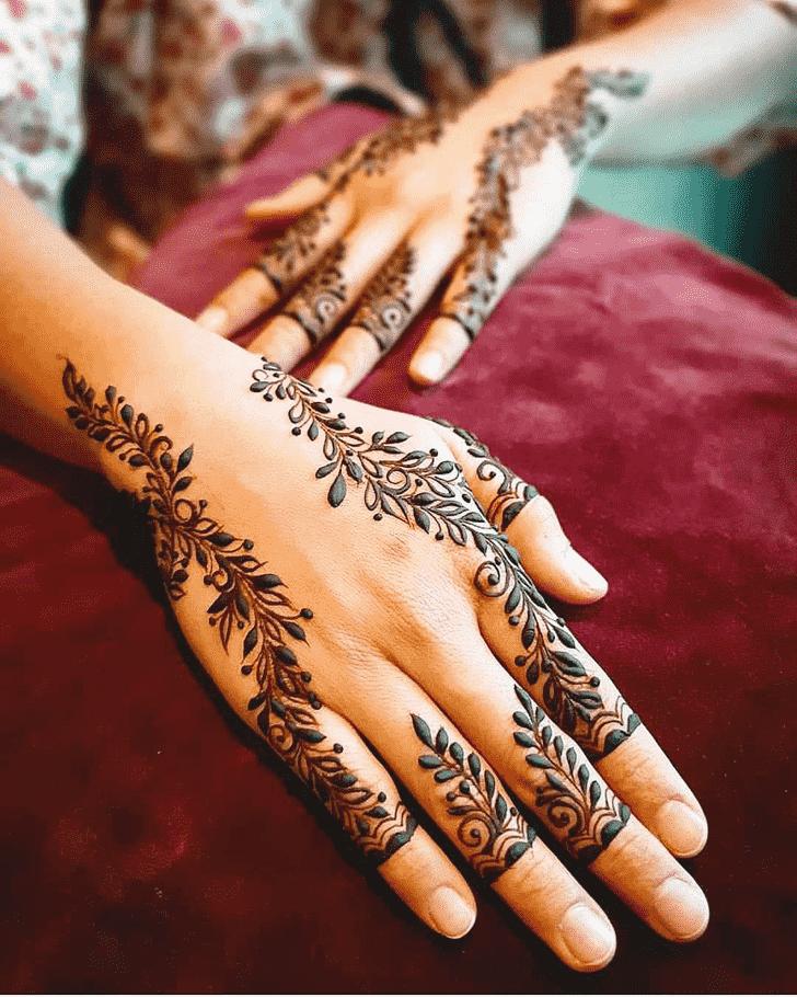 Resplendent Pattern Henna Design
