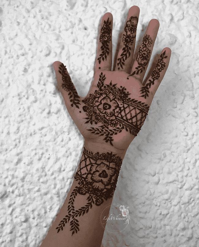 Appealing Peshawar Henna Design