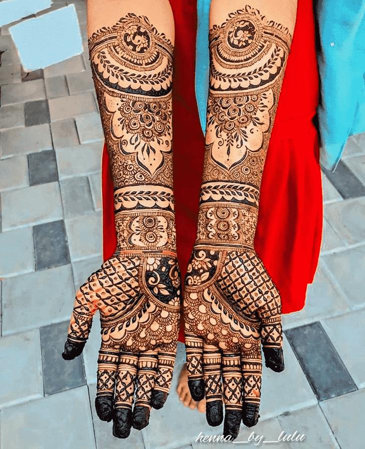 Angelic Phalguna Amavasya Henna Design