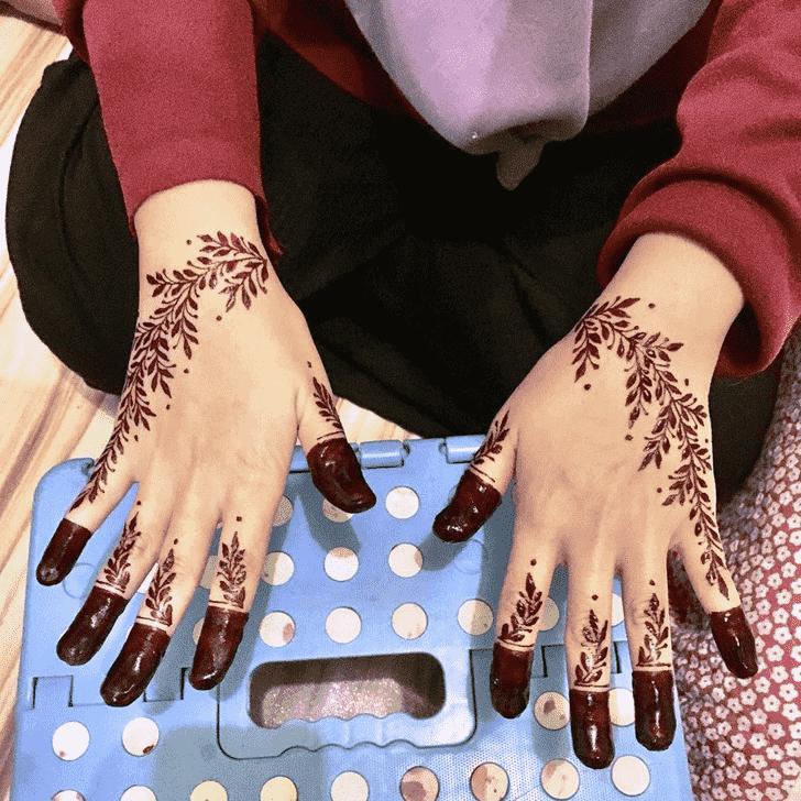 Captivating Phalguna Amavasya Henna Design