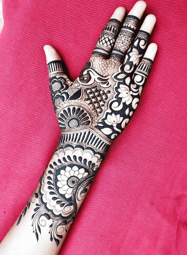 Alluring Pondicherry Henna Design