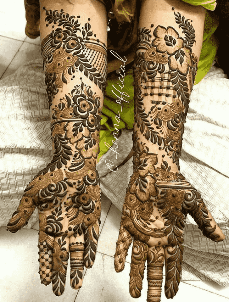 Adorable Pradosh Vrat Henna Design
