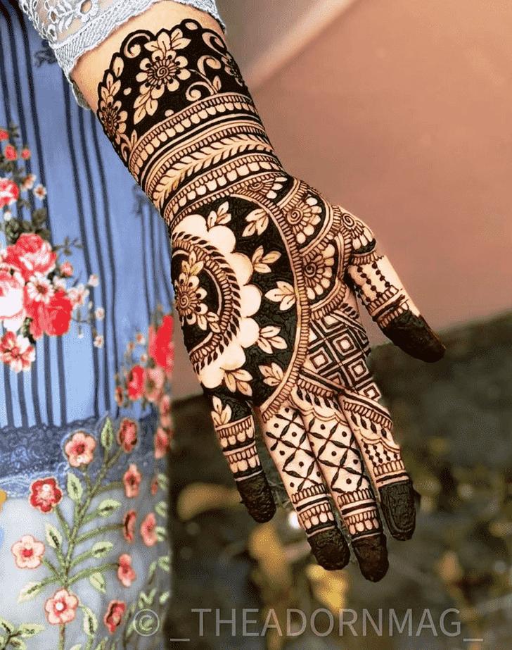 Appealing Pradosh Vrat Henna Design