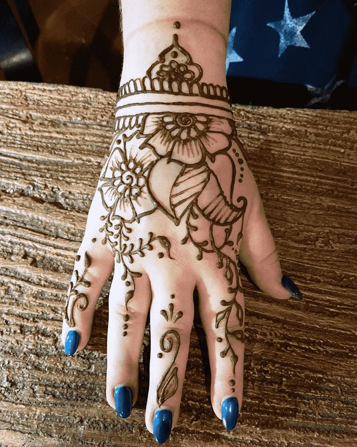 Bewitching Pradosh Vrat Henna Design