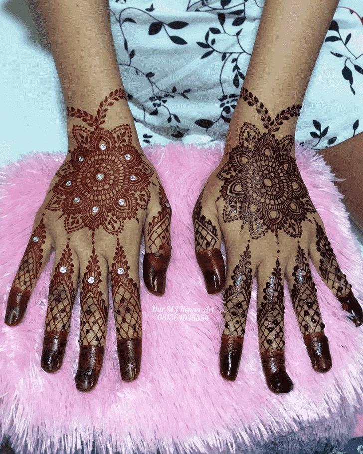 Captivating Pradosh Vrat Henna Design