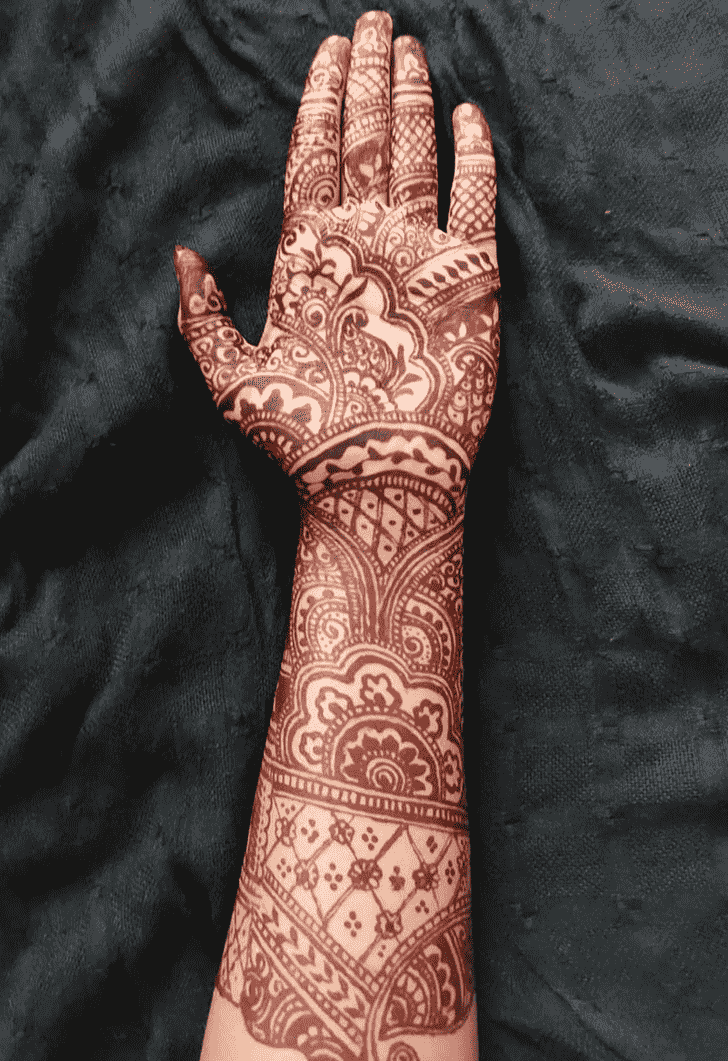 Bewitching Prayagraj Henna Design