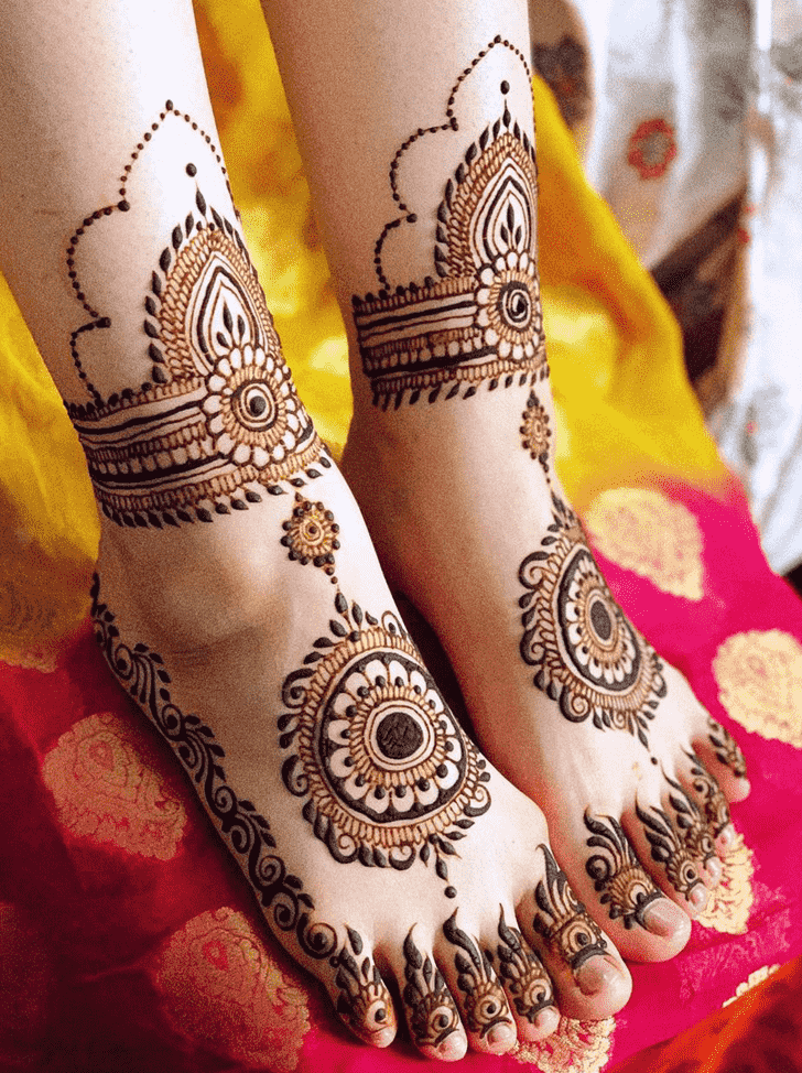 Adorable Professional Henna Design