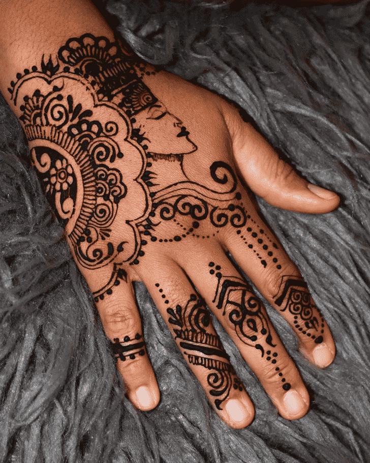 Classy Pune Henna Design
