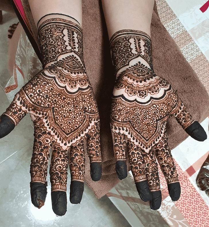 Alluring Punjabi Henna Design