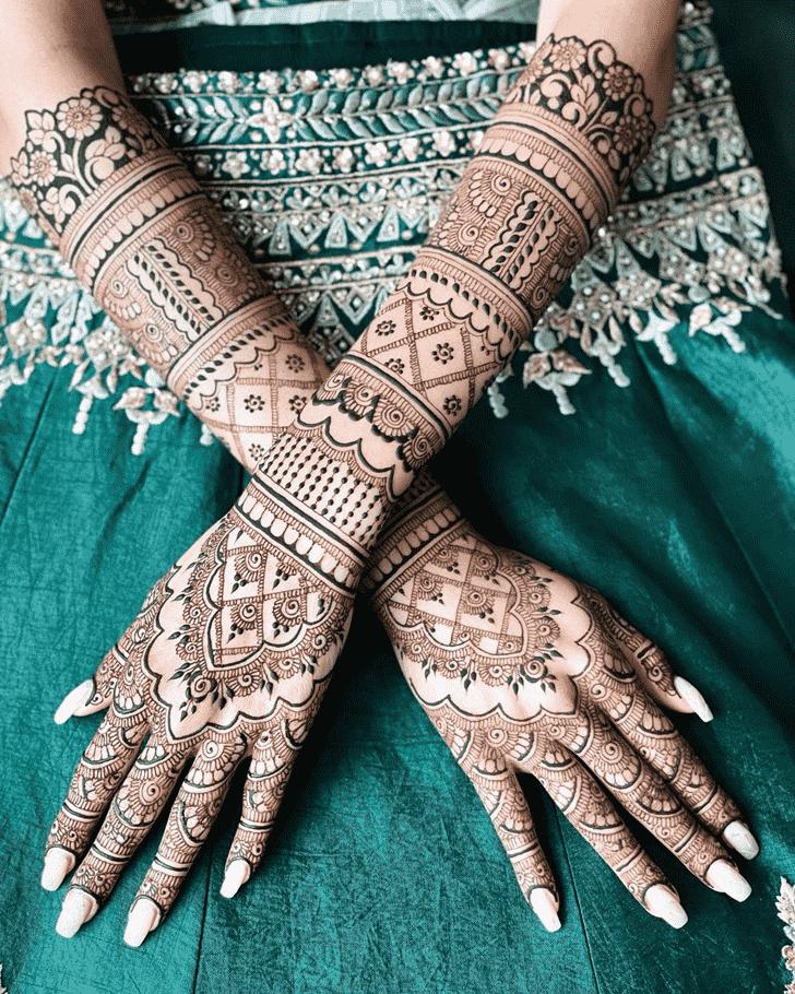 Classy Punjabi Henna Design