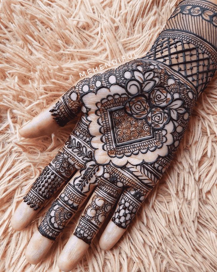 Enticing Punjabi Henna Design