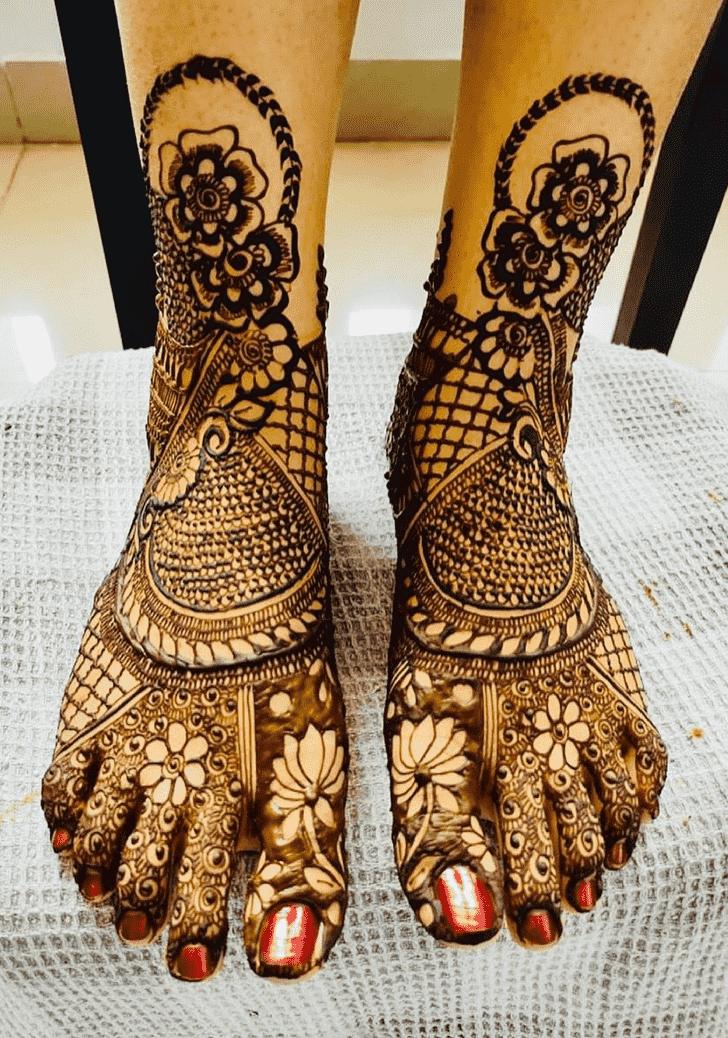 Fetching Punjabi Henna Design