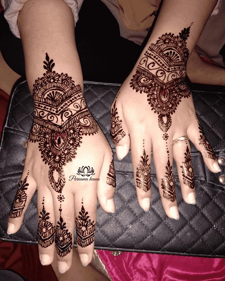 Fine Punjabi Henna Design