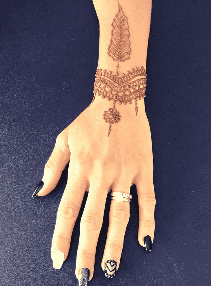 Mesmeric Punjabi Henna Design