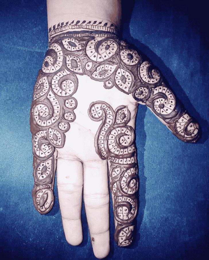 Appealing Rajasthani Henna Design