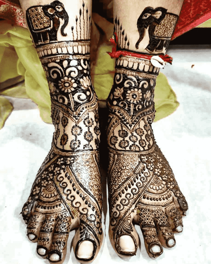 Charming Rajasthani Henna Design